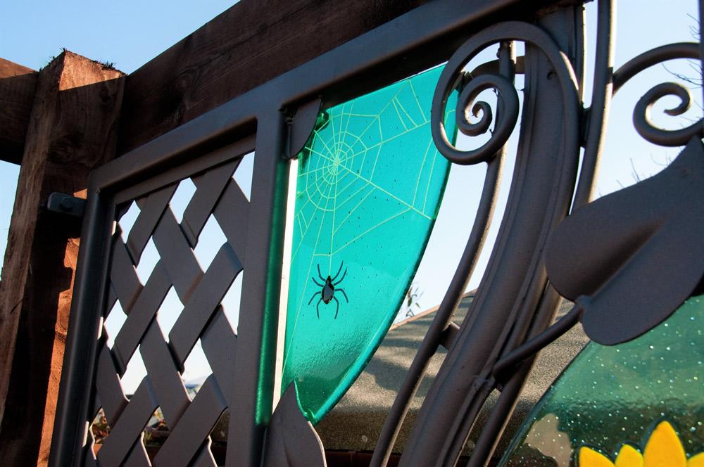 garden screen detail 2