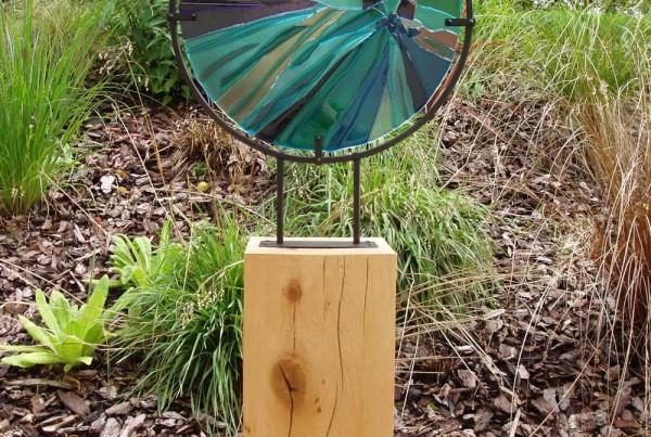 glass circle & oak
